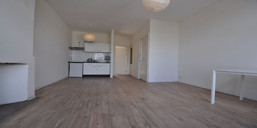 Two rooms house for rent on the Noordmolenstraat in Rotterdam Center.