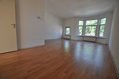 For rent six rooms apartment on the Beijerlandselaan in Rotterdam South.