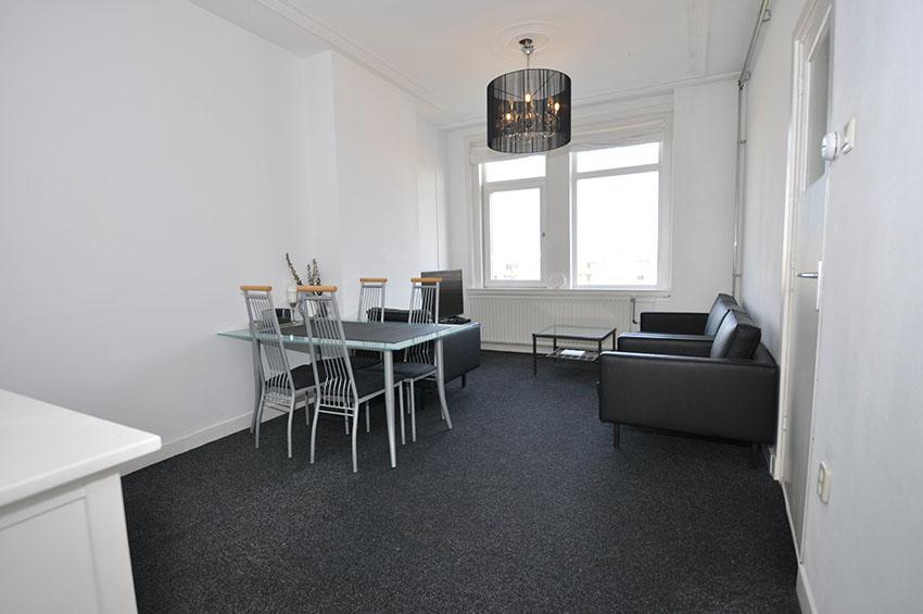 Drie kamer appartement te huur aangeboden aan de Marnixstraat In Rotterdam Crooswijk.